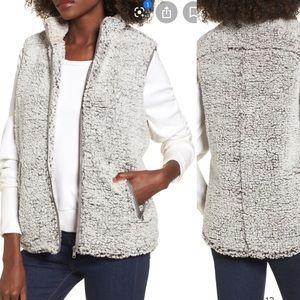 THREAD & SUPPLY Sherpa Gray/Taupe Fleece Vest